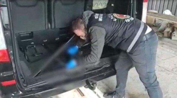 Dereköy Gümrük Kapısı'nda Kaçak Cep Telefonu Ele Geçirildi