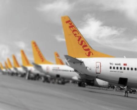 Pegasus hava yollarından Duyuru Türkiye'de sokağa çıkma yasağında uçuşu olanlar ne yapacak?