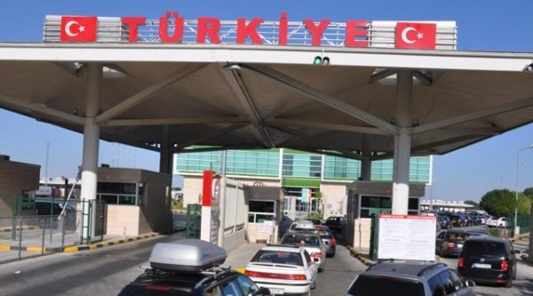 Yabancı Plakalı Araçını Türkiye'de Bırakıp Çıkmak İsteyenler.