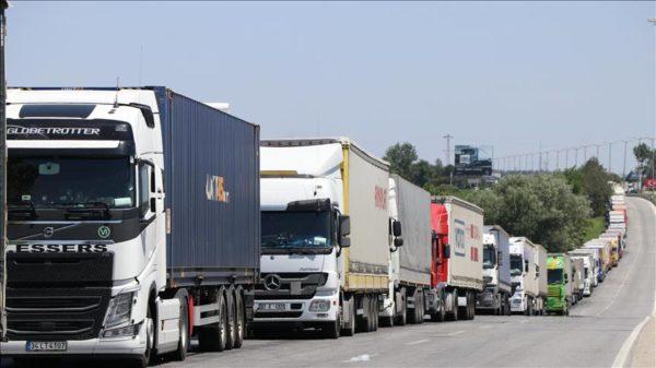 Bulgaristan ve Türkiye sınırında tır geçişlerindeki sorunlar cözüm masasına yatırıldı