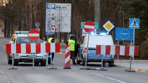 """Polonya'da korona virüs tedbirleri sıkılaştırıldı """"Karantina Kapıda"""""""
