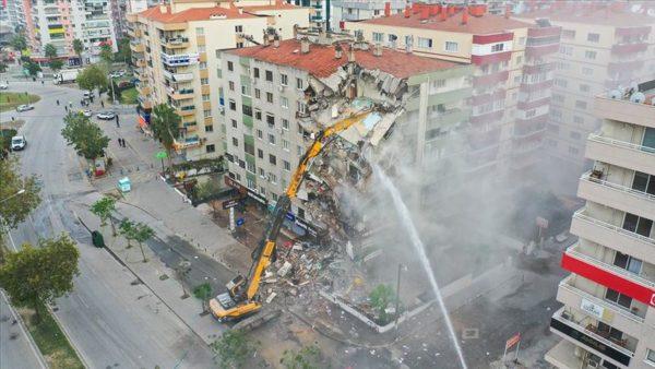 İzmir'deki depremzedeler için 20 milyon liranın üzerinde kira yardımı toplandı